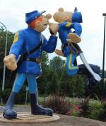 Statue des Tuniques Bleues à Sambreville en hommage à Lambil